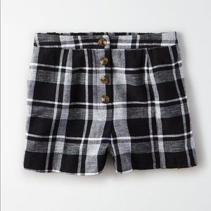 American Eagle Black White Plaid Button Shorts